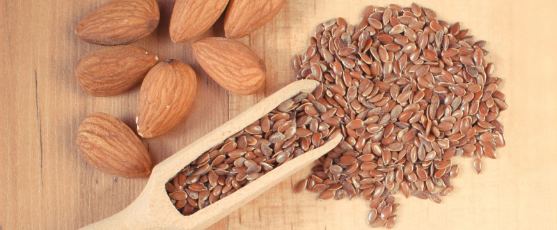 Loose almonds and flax seeds