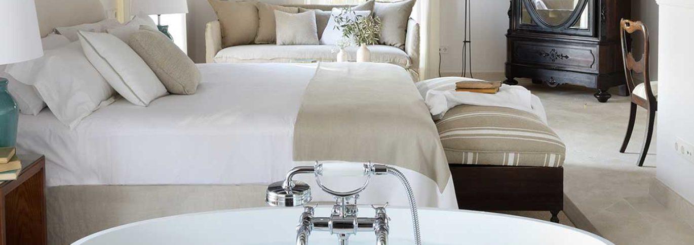 Luxury bedroom in Cal Reiet
