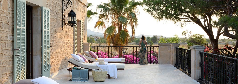Terrace with sun loungers in Mallorca