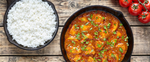 Chicken masala served with rice