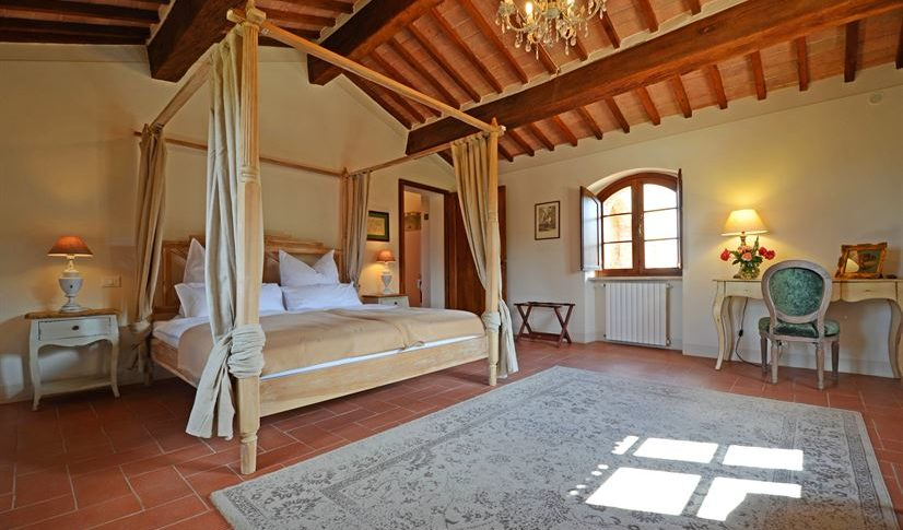 Giacinta bedroom