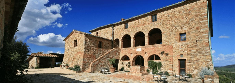 front view Locanda Cugnanello