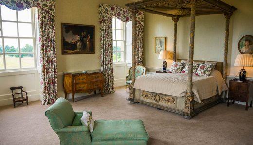 Four poster bed in the Dashwood Bedroom at Kirtlington Park